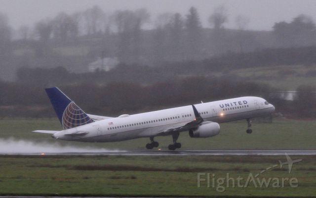 Boeing 757-200 (N58101) - united b757-224 n58101 dep shannon for newark 7/3/17.