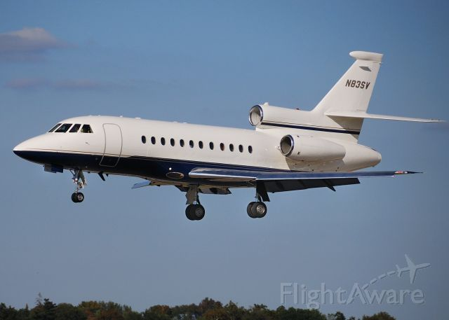Dassault Falcon 900 (N83SV) - Landing at KPIT