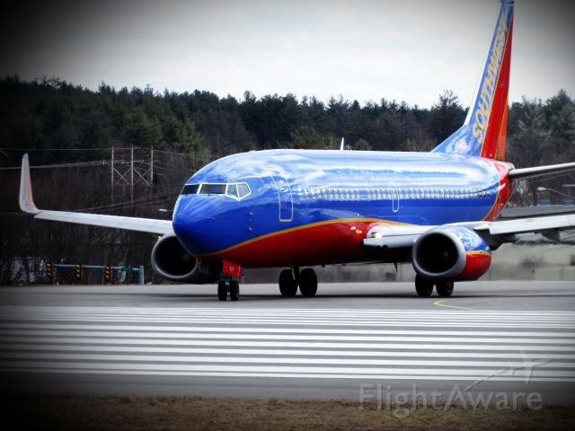 BOEING 737-300 (N628SW) - notice one engine spinning faster than the other