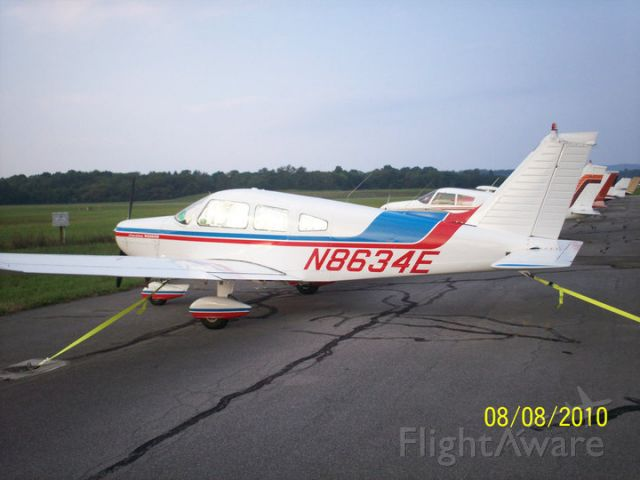 Piper Cherokee (N8634E)