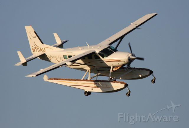 Cessna Caravan (N711AU) - Cessna 208 N711AU - L
