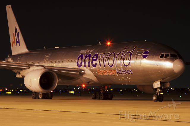 Boeing 777-200 (N796AN) - Jun. 2, 2011.