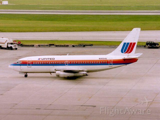 Boeing 737-100 (N9054U) - Date 24/05/87 c/n 19935