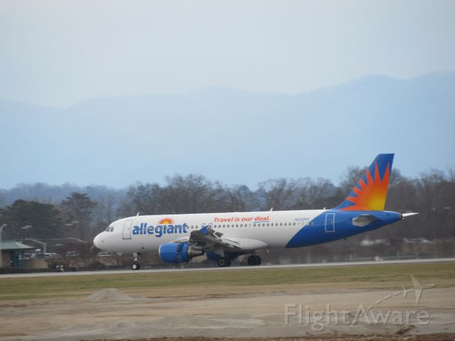 Airbus A320 (N222NV) - Arriving From FLL