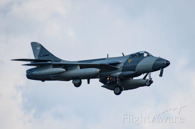 Hawker Hunter (N322AX)