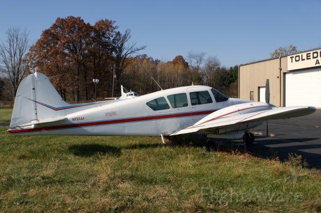 Piper Apache (N727JJ)