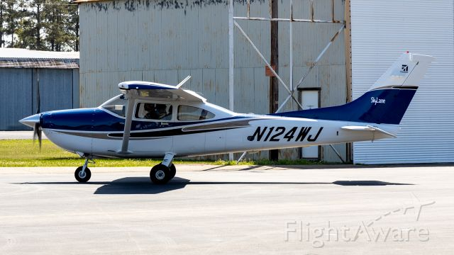Cessna Skylane (N124WJ)