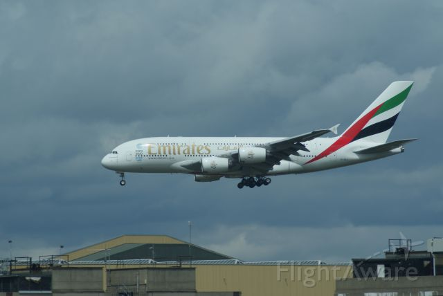 Airbus A380-800 (A6-EES) - Emirates A380-3861 cn140