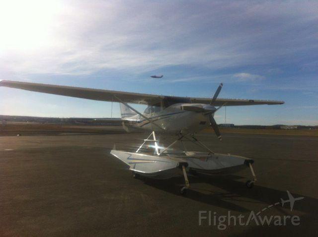 Cessna Skylane (C-GMAH) - At YYT