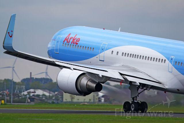 BOEING 767-300 (PH-OYI)