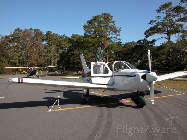 Piper Cherokee (N2196T)
