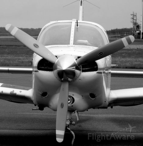 Piper Cherokee (C-FZYW)