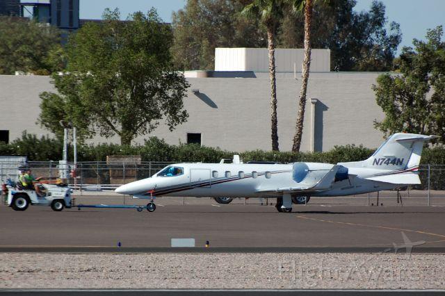 Learjet 31 (N744N)