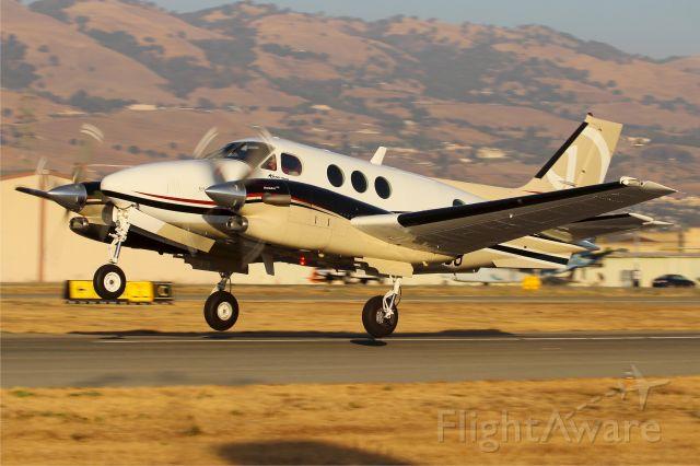 Beechcraft King Air 90 (N8096U)