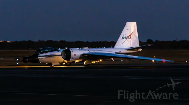 Martin WB-57 (N927NA) - The NASA WB-57F N927NA taxis to park at EFD after a SpaceX mission