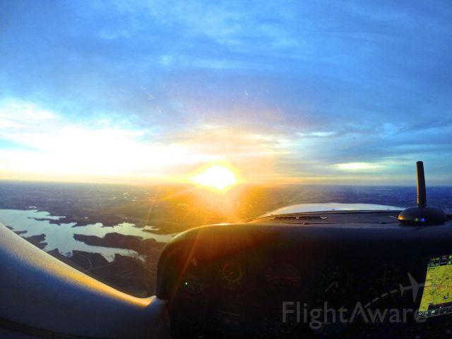 Cessna Cardinal (N18739) - Sunset in the Cardinal