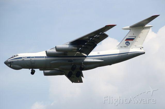 Ilyushin Il-76 (RA-78817)
