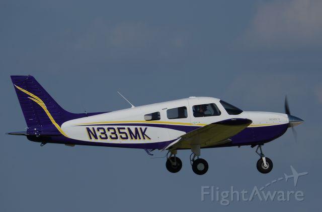 Piper Cherokee (N335MK)
