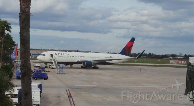 BOEING 767-300 (N188DN) - Delta N188DN resting at KMCO Orlando Florida