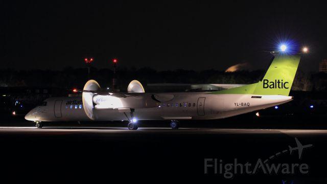 de Havilland Dash 8-400 (YL-BAQ)
