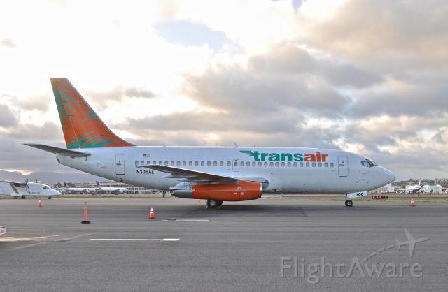 Boeing 737-200 (N306AL)
