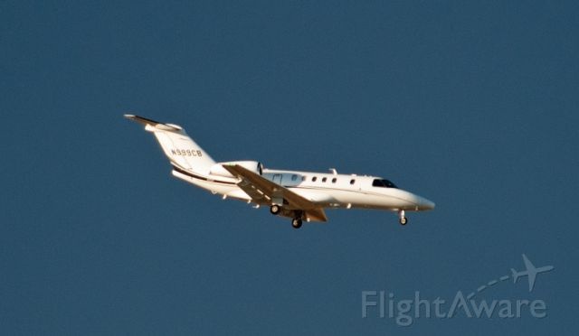 Cessna Citation CJ4 (N999CB) - Base to final for 09 at Carson City