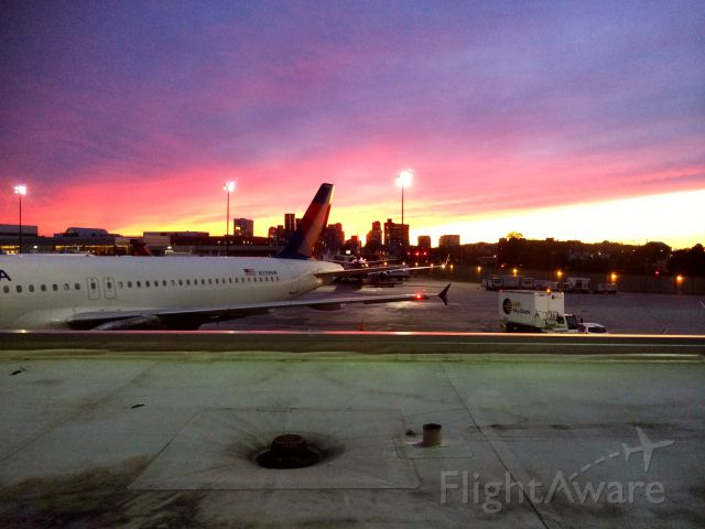 Airbus A320 (N339NW) - Beautiful sunset over Boston!