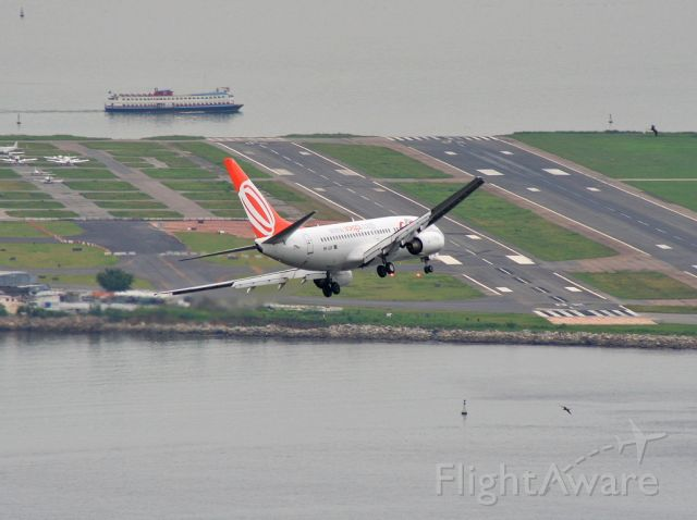 """Boeing 737-700 (PR-GIF) - Taken from the viewing platform on the way to the top of Sugar Loaf. <a href=""""Canon"""">EOS 350D</a>"""