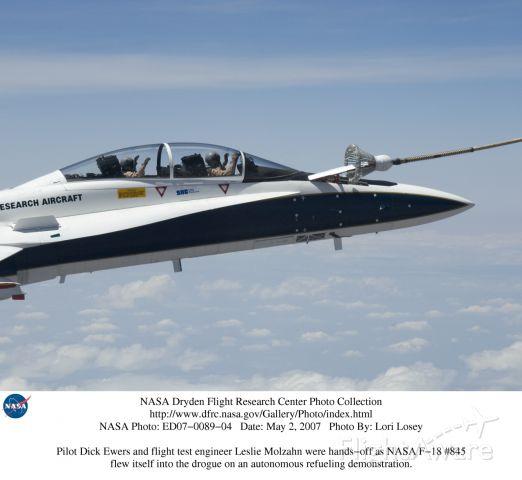 NASA845 — - First Autonomous Aerial Refueling-SNC