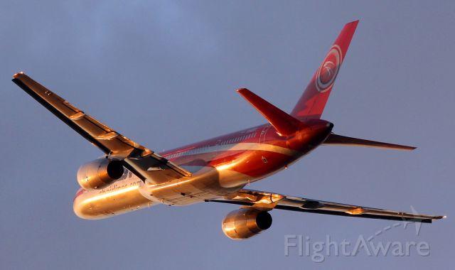 Boeing 757-200 (YV450T)