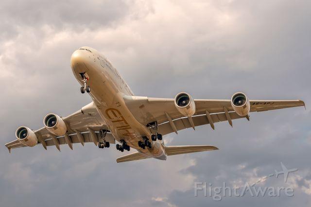 Airbus A380-800 (A6-APJ)