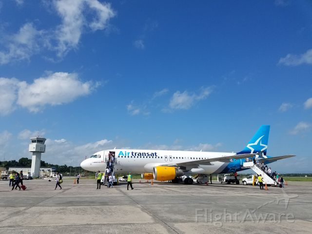 Airbus A320 (C-GCKU) - Air Transat A320 Reg. CGCKU