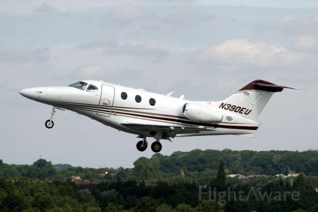 Beechcraft Premier 1 (N390EU) - Departing for EGTF on 14-Aug-09.