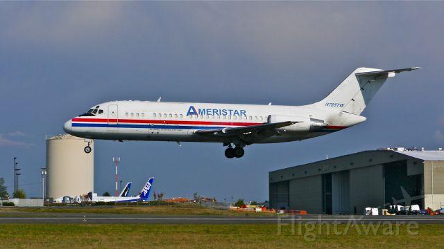 Douglas DC-9-10 (N785TW) - AJI9704 from KADS on short final to Rwy 34L on 8/24/14. (LN:156 / cn 47015).