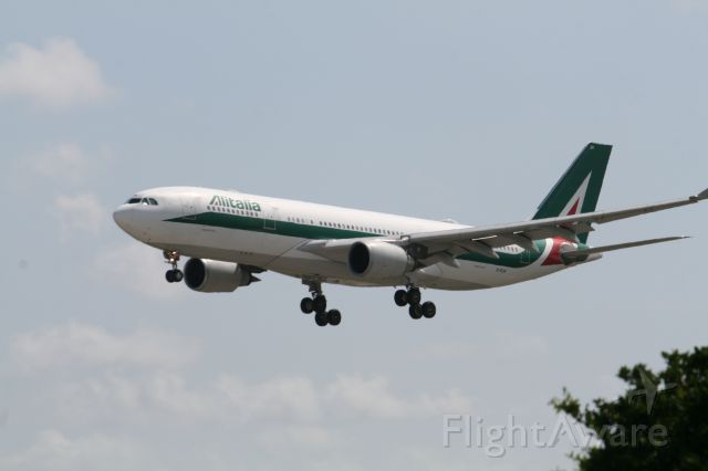 Airbus A330-300 (EI-EJH)