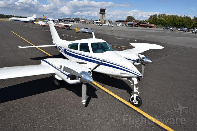 Cessna 310 (N2268F)
