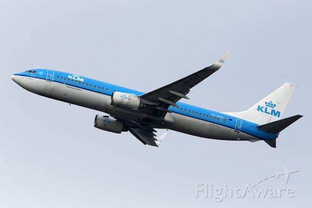 Boeing 737-800 (PH-BXG) - Looking like a bit of a wash may be needed, KLM1082 departs to Amsterdam.