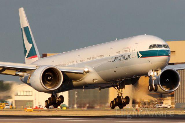 BOEING 777-300ER (B-KQV)