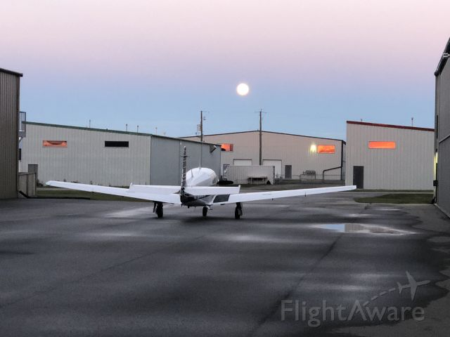 Mooney M-20 Turbo (C-GVMW) - Early morning departure