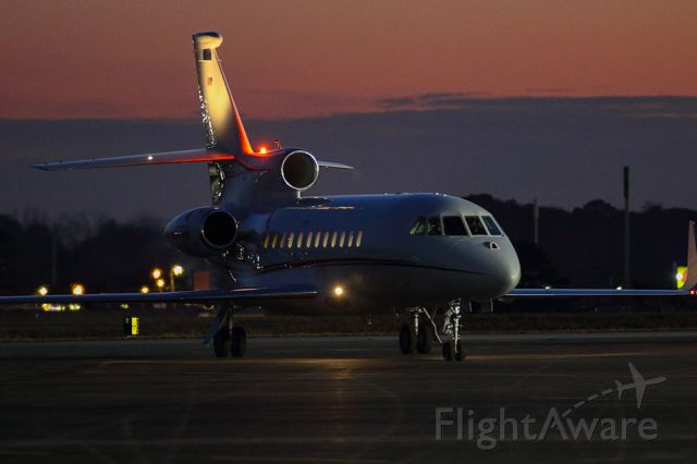 Dassault Falcon 900 (N297GB) - Dassault Falcon 900EX taxiing to the ramp during Superbowl LIII weekend in Atlanta