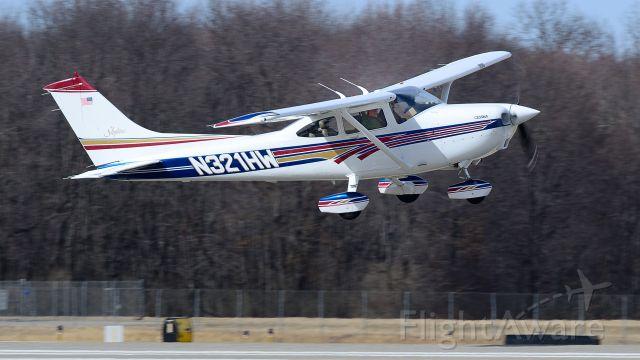Cessna Skylane (N321HW) - Departing Runway 8