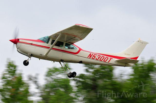 Cessna Skylane (N5300T)