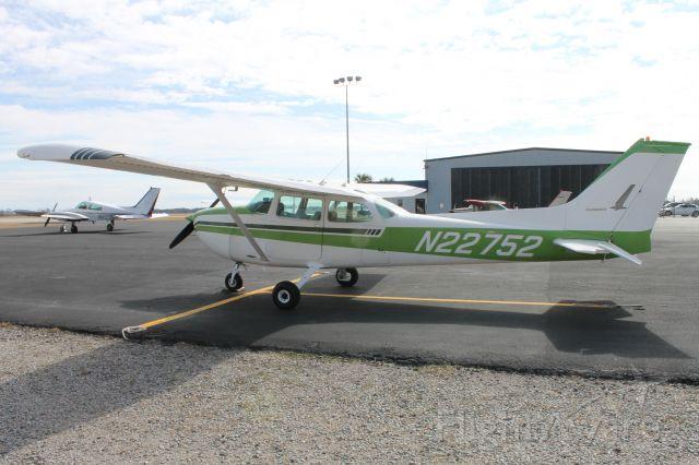 Cessna Skyhawk (N22752)