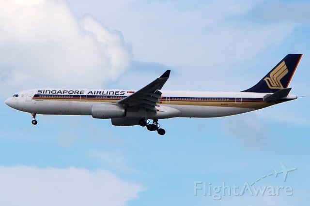 Airbus A330-300 (9V-STQ) - 9V-STQ arriving from Seoul as flight SQ607