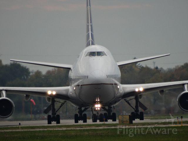 Boeing 747-400 (N171UA)