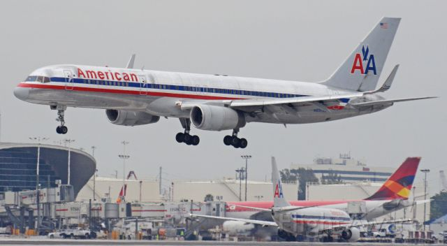 Boeing 757-200 (N632AA) - Imaged on 1/13/12
