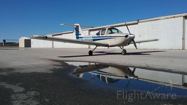 Piper Tomahawk (N2330D)