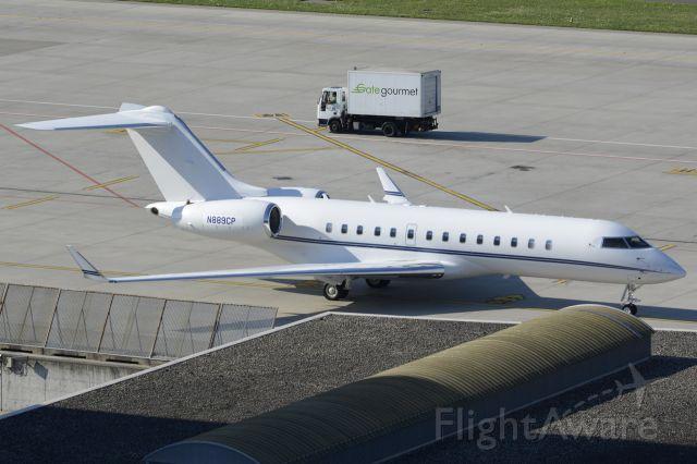 Bombardier Global Express (N889CP)