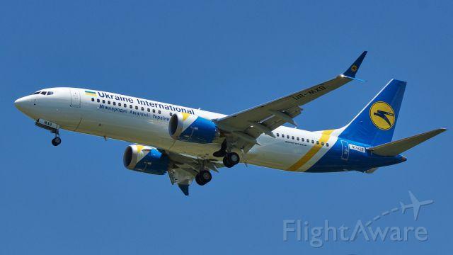 Boeing 737 MAX 8 (N1782B)