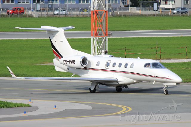 Embraer Phenom 300 (CS-PHB)
